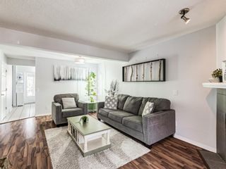 Photo 3: 45 Patina Park SW in Calgary: Patterson Row/Townhouse for sale : MLS®# A1101453