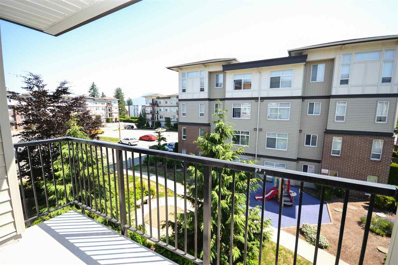 """Photo 13: Photos: 303 9422 VICTOR Street in Chilliwack: Chilliwack N Yale-Well Condo for sale in """"NEWMARK"""" : MLS®# R2279466"""