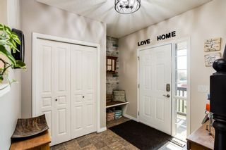 Photo 2: 566 Fairways Crescent NW: Airdrie Detached for sale : MLS®# A1126623