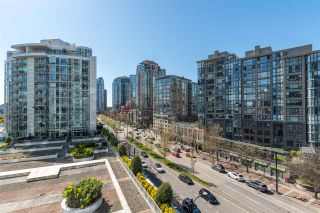 "Photo 14: 801 198 AQUARIUS Mews in Vancouver: Yaletown Condo for sale in ""Aquarius II."" (Vancouver West)  : MLS®# R2575531"