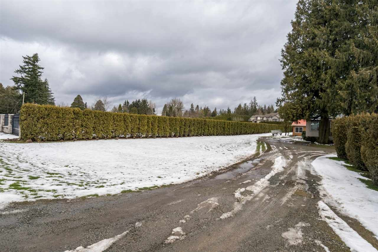 Photo 17: Photos: 1408 CLEARBROOK Road in Abbotsford: Poplar House for sale : MLS®# R2541003