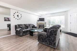 """Photo 3: 6 13670 84 Avenue in Surrey: Bear Creek Green Timbers Townhouse for sale in """"TRAIRLS AT BEAR CREEK"""" : MLS®# R2625536"""