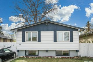 Photo 2: 99 Ross Crescent in Saskatoon: Westview Heights Residential for sale : MLS®# SK855001