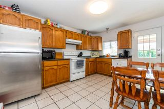 """Photo 11: 45640 NEWBY Drive in Chilliwack: Sardis West Vedder Rd House for sale in """"SARDIS"""" (Sardis)  : MLS®# R2481893"""