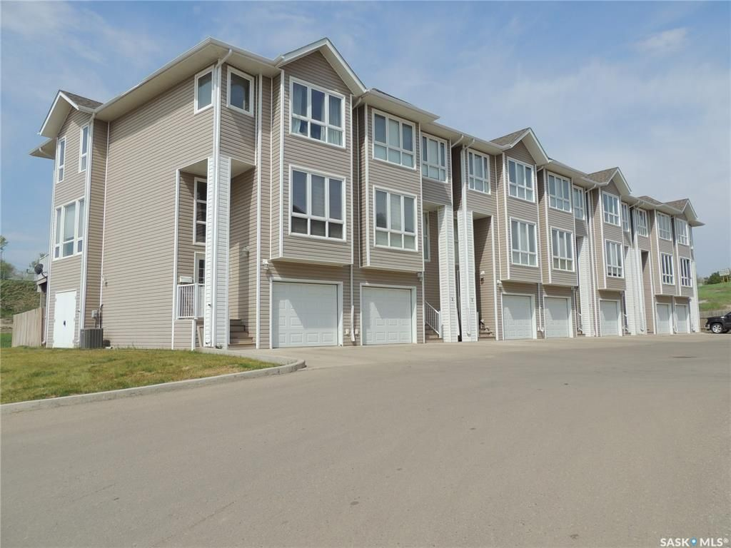 Main Photo: 6 697 Sun Valley Drive in Estevan: Bay Meadows Residential for sale : MLS®# SK809284