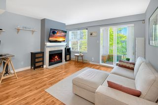 """Photo 1: 45 123 SEVENTH Street in New Westminster: Uptown NW Townhouse for sale in """"ROYAL CITY TERRACE"""" : MLS®# R2289295"""