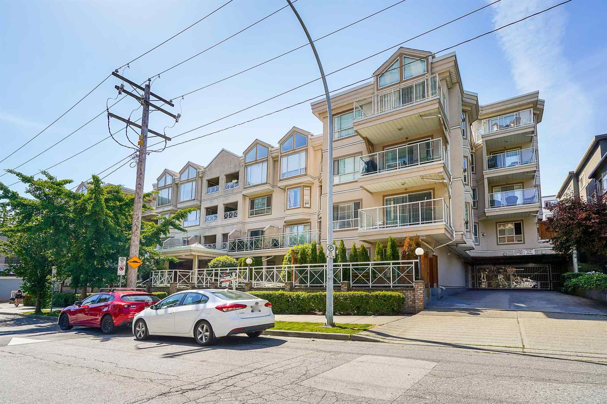"""Main Photo: 102 525 AGNES Street in New Westminster: Downtown NW Condo for sale in """"AGNES TERRACE"""" : MLS®# R2594730"""