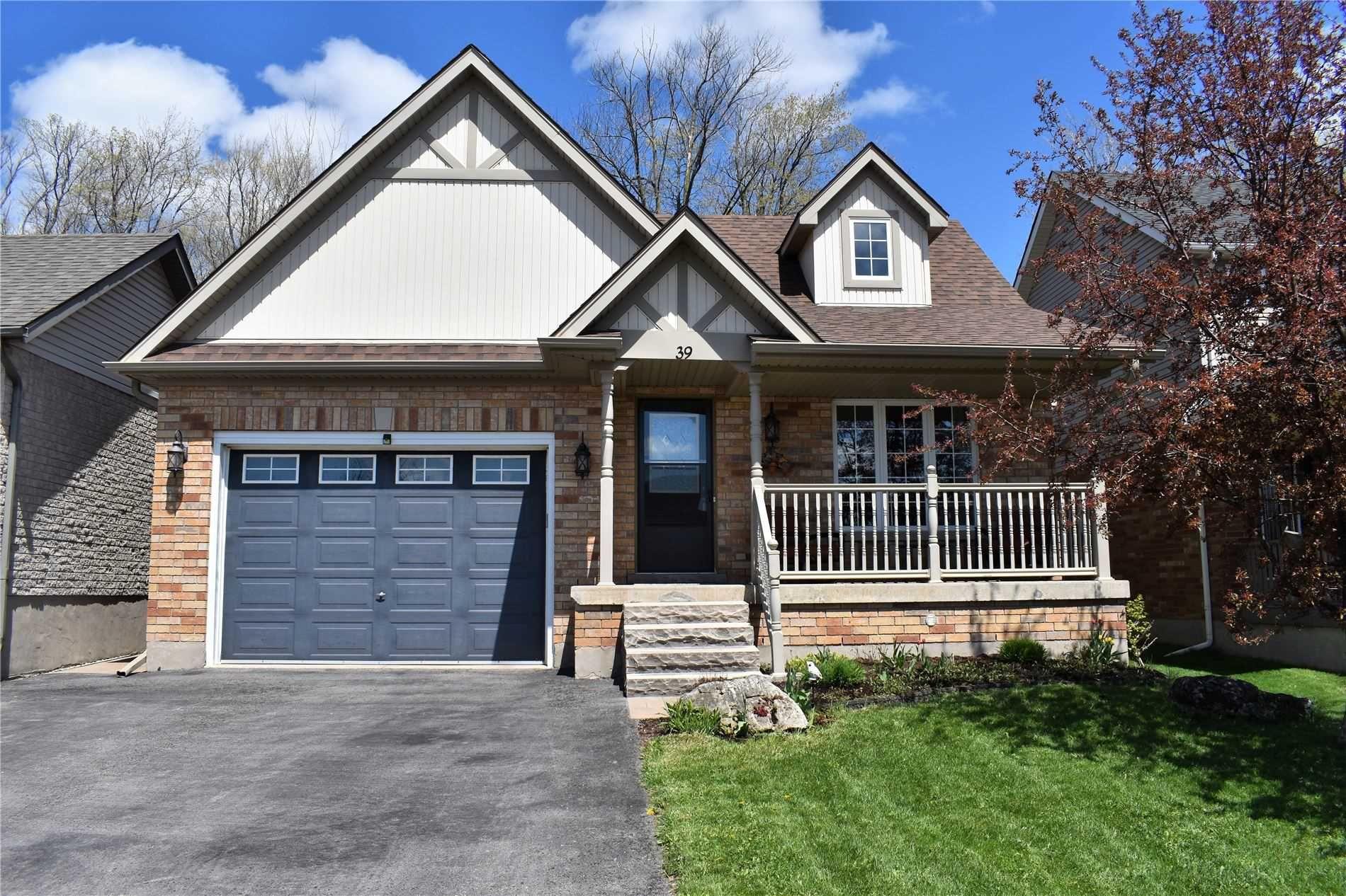 Main Photo: 39 Abbey Road: Orangeville House (Bungalow) for sale : MLS®# W5224403