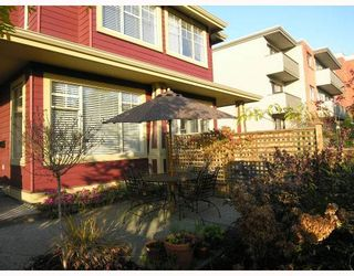 Photo 8: 253 E 13TH Avenue in Vancouver: Mount Pleasant VE Townhouse for sale (Vancouver East)  : MLS®# V676746