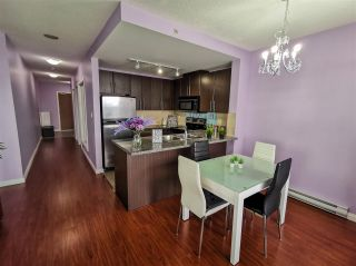 Photo 4: 2201 892 CARNARVON STREET in New Westminster: Downtown NW Condo for sale : MLS®# R2499563