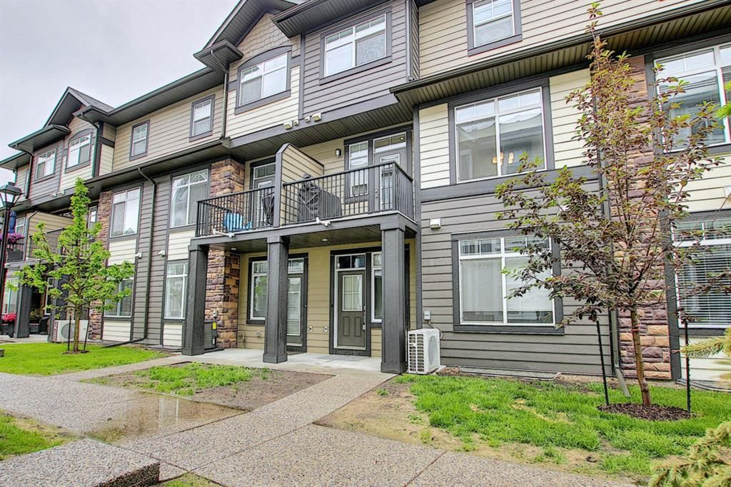 Main Photo: 213 Wentworth Row SW in Calgary: West Springs Row/Townhouse for sale : MLS®# A1123522