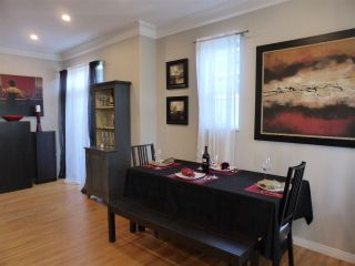 Photo 7: 218 E 10TH STREET in North Vancouver: Central Lonsdale Townhouse for sale : MLS®# R2045615
