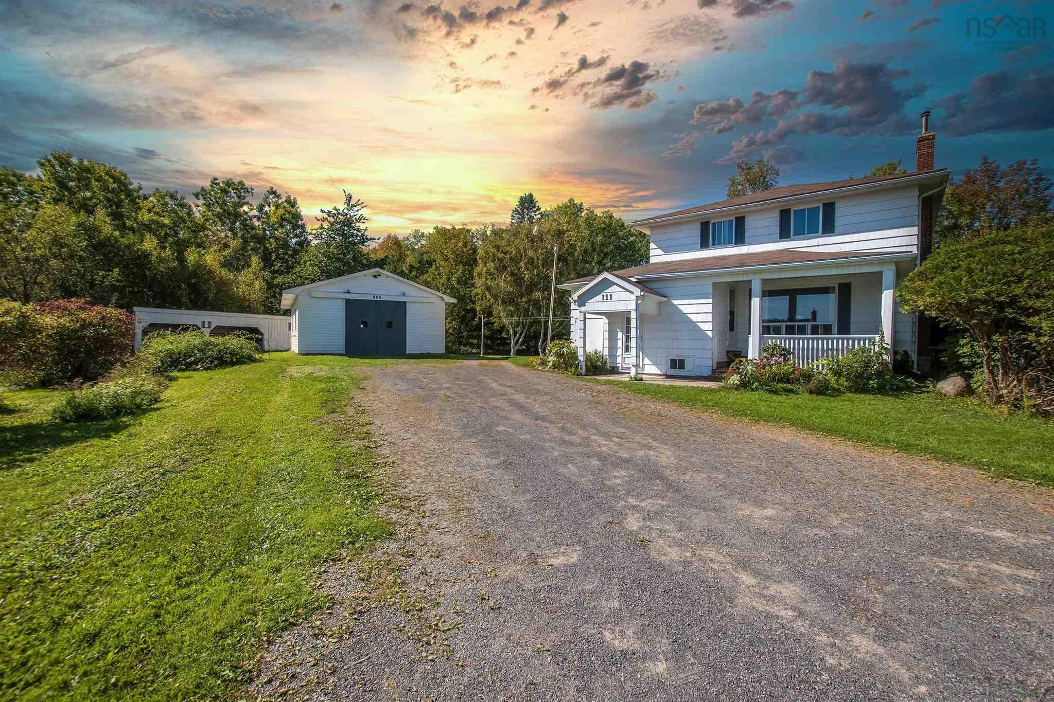 Main Photo: 111 Aylward Road in Falmouth: 403-Hants County Residential for sale (Annapolis Valley)  : MLS®# 202125408