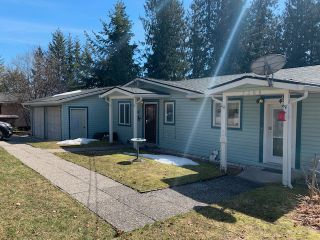 Photo 1: 7388 Estate Drive in Anglemont: North Shuswap House for sale (Shuswap)  : MLS®# 10204246