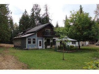 Photo 1: 8416 Black Road in Salmon Arm: SESA - SE Salmon Arm House for sale (Shuswap / Revelstoke)  : MLS®# 10212465