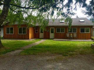 "Photo 1: 38882 GARIBALDI Avenue in Squamish: Dentville Duplex for sale in ""Dentville"" : MLS®# R2494577"