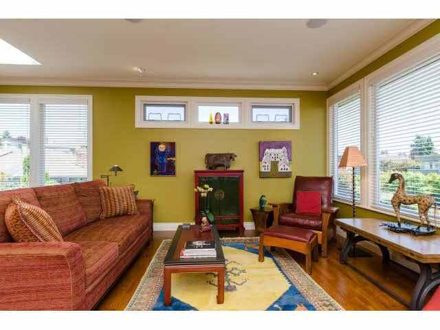 """Photo 5: Photos: 1159 BALSAM Street: White Rock House for sale in """"UPPER EAST BEACH"""" (South Surrey White Rock)  : MLS®# F1445609"""