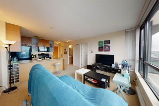 Photo 6: 2209 977 MAINLAND Street in Vancouver: Yaletown Condo for sale (Vancouver West)  : MLS®# R2466094