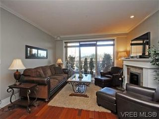 Photo 3: 209 755 Goldstream Ave in VICTORIA: La Langford Proper Condo for sale (Langford)  : MLS®# 590944