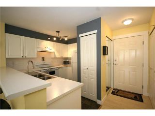 "Photo 2: 303 1363 56TH Street in Tsawwassen: Cliff Drive Condo for sale in ""WINDSOR WOODS"" : MLS®# V922513"