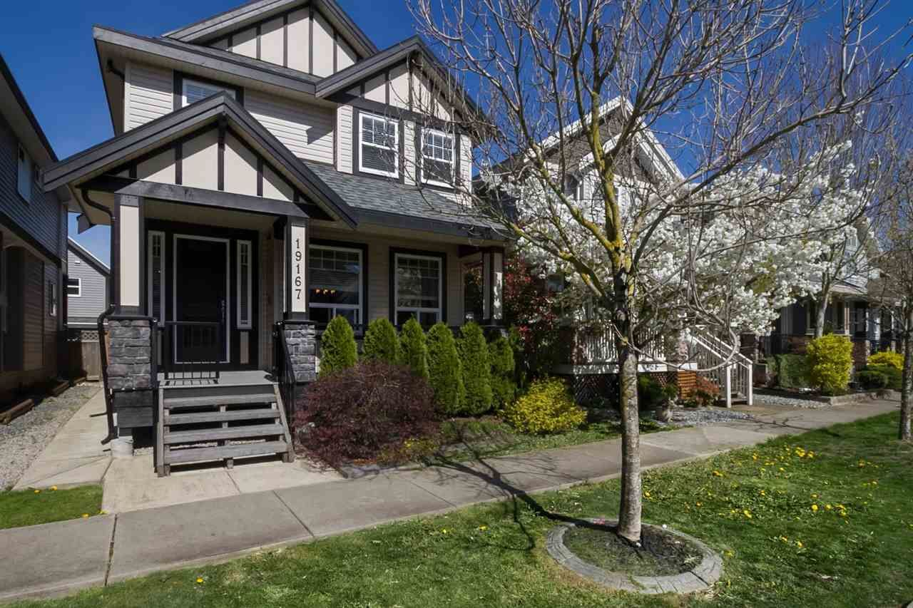 Main Photo: 19167 69A Avenue in Surrey: Clayton House for sale (Cloverdale)  : MLS®# R2050327