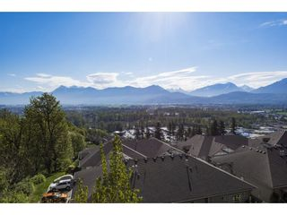 """Photo 32: 127 8590 SUNRISE Drive in Chilliwack: Chilliwack Mountain Townhouse for sale in """"Maple Hills"""" : MLS®# R2571129"""
