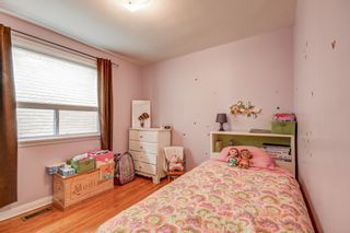 Photo 18: 264 Ryding Avenue in Toronto: Junction Area House (2-Storey) for sale (Toronto W02)  : MLS®# W4415963