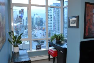 """Photo 5: 703 1775 QUEBEC Street in Vancouver: Mount Pleasant VE Condo for sale in """"THE OPSAL"""" (Vancouver East)  : MLS®# R2129747"""