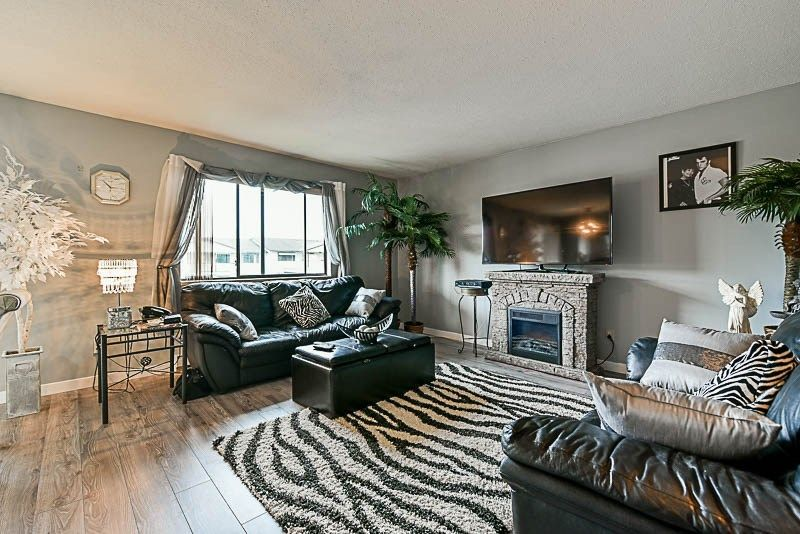 Photo 3: Photos: 34 7455 HURON Street in Sardis: Sardis West Vedder Rd Condo for sale : MLS®# R2162880