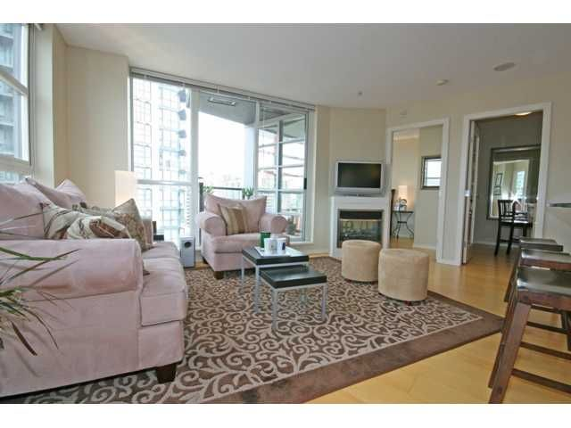 """Photo 4: Photos: 1402 1199 SEYMOUR Street in Vancouver: Downtown VW Condo for sale in """"BRAVA"""" (Vancouver West)  : MLS®# V877625"""