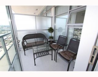 """Photo 9: 2905 2289 YUKON Crescent in Burnaby: Brentwood Park Condo for sale in """"Watercolours"""" (Burnaby North)  : MLS®# V777043"""