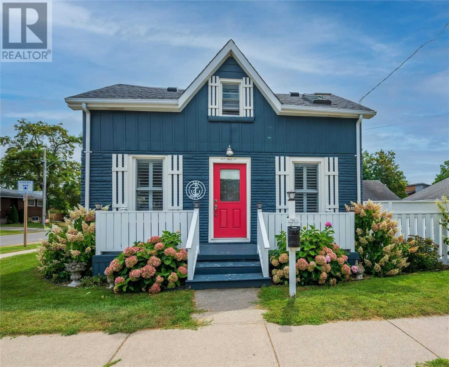 Main Photo: 201 BAY ST in Cobourg: House for sale : MLS®# X5357400