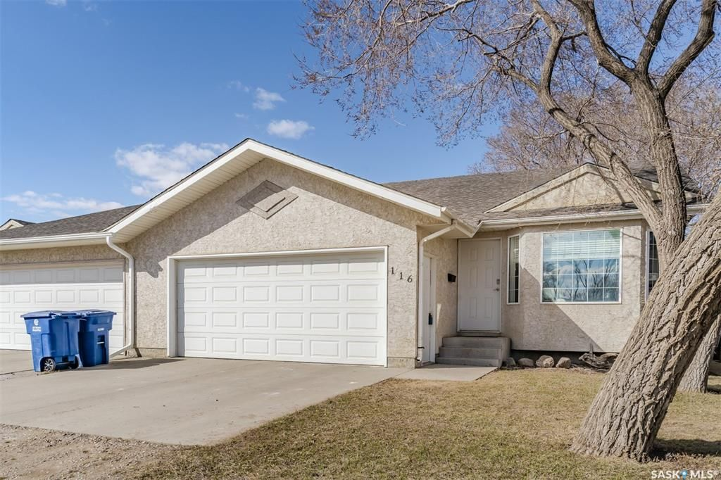 Main Photo: 116 Haichert Street in Warman: Residential for sale : MLS®# SK849038