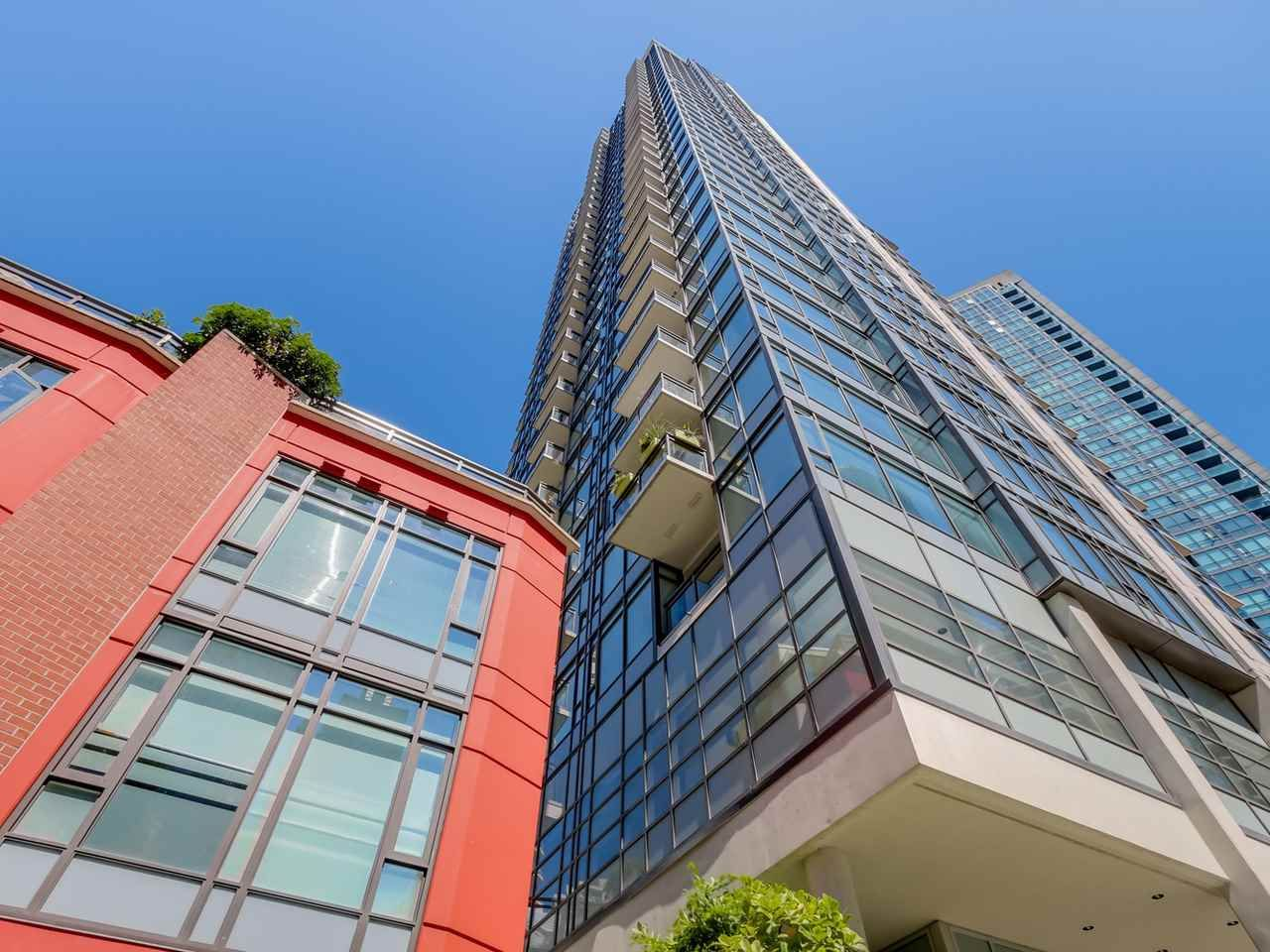 """Main Photo: 803 1211 MELVILLE Street in Vancouver: Coal Harbour Condo for sale in """"The Ritz"""" (Vancouver West)  : MLS®# R2084525"""