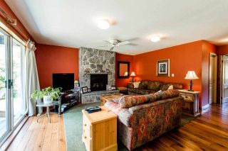 "Photo 3: 2242 READ Crescent in Squamish: Garibaldi Highlands House for sale in ""GARIBALDI ESTATES"" : MLS®# R2067510"