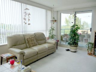"""Photo 4: 605 3190 GLADWIN Road in Abbotsford: Central Abbotsford Condo for sale in """"Regency Park"""" : MLS®# R2365734"""