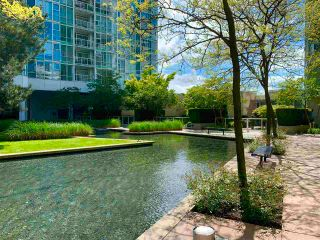 """Photo 10: 603 1099 MARINASIDE Crescent in Vancouver: Yaletown Condo for sale in """"Marinaside Resort"""" (Vancouver West)  : MLS®# R2580994"""
