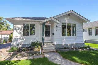 Photo 1: 41 West Fernwood Avenue in Winnipeg: Norberry Residential for sale (2C)  : MLS®# 202122211