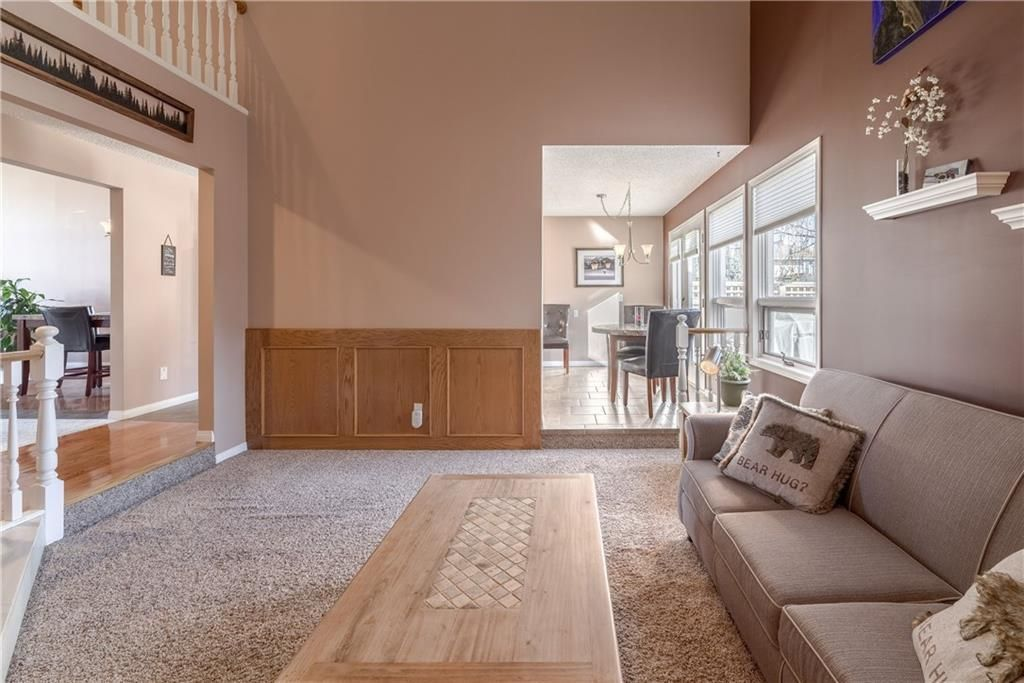 Photo 22: Photos: 248 WOOD VALLEY Bay SW in Calgary: Woodbine Detached for sale : MLS®# C4211183