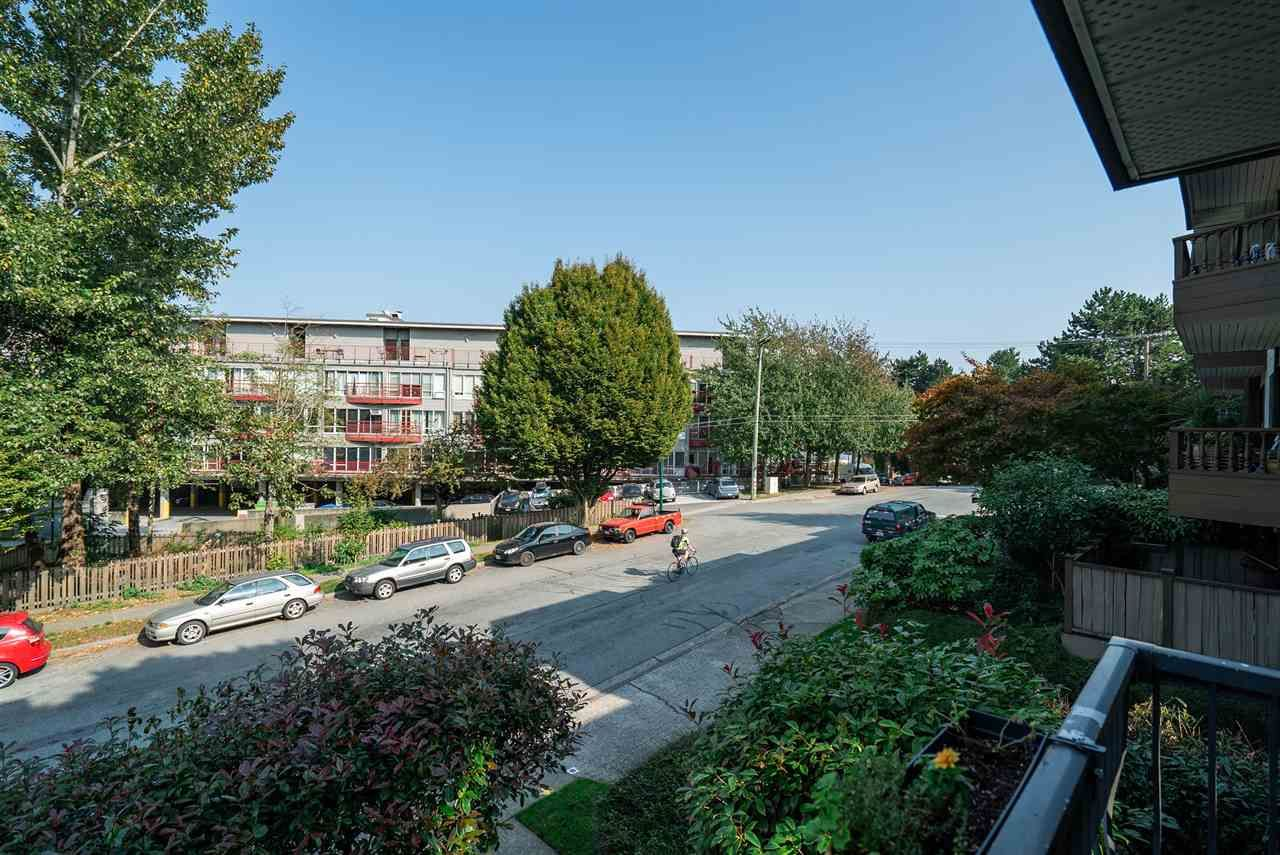 """Photo 9: Photos: 208 334 E 5TH Avenue in Vancouver: Mount Pleasant VE Condo for sale in """"View Pointe"""" (Vancouver East)  : MLS®# R2507908"""