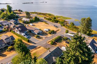 Photo 12: 3921 Ronald Ave in Royston: CV Courtenay South House for sale (Comox Valley)  : MLS®# 881727