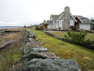 Photo 38: 954 SURFSIDE DRIVE in QUALICUM BEACH: PQ Qualicum Beach House for sale (Parksville/Qualicum)  : MLS®# 783341