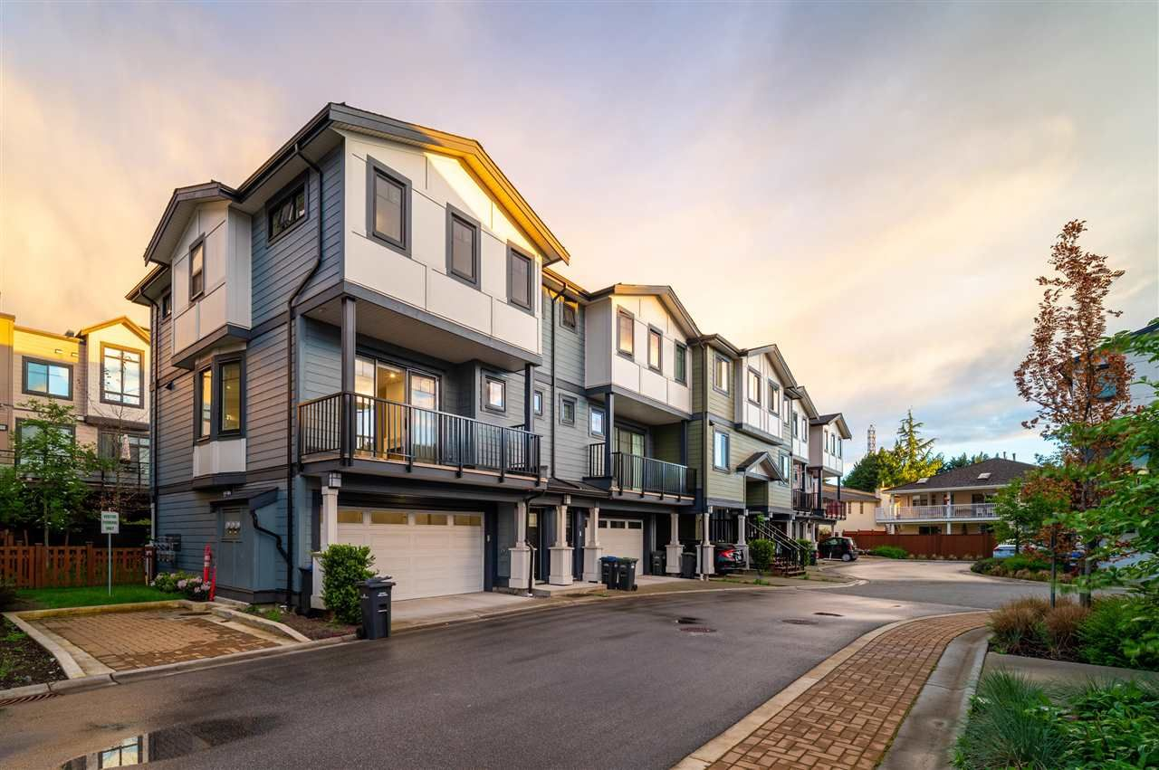 """Main Photo: 8 188 WOOD Street in New Westminster: Queensborough Townhouse for sale in """"River"""" : MLS®# R2578430"""