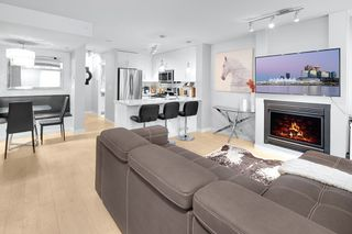 """Main Photo: 975 RICHARDS Street in Vancouver: Downtown VW Townhouse for sale in """"MONDRIAN"""" (Vancouver West)  : MLS®# R2430221"""
