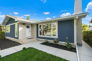 Main Photo: 224 Silverview Way NW in Calgary: Silver Springs Detached for sale : MLS®# A1147791