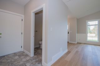 Photo 4: 2240 Southeast 15 Avenue in Salmon Arm: HILLCREST HEIGHTS House for sale (SE Salmon Arm)  : MLS®# 10158069