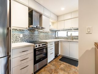 """Photo 11: 210 2120 W 2ND Avenue in Vancouver: Kitsilano Condo for sale in """"ARBUTUS PLACE"""" (Vancouver West)  : MLS®# R2625564"""