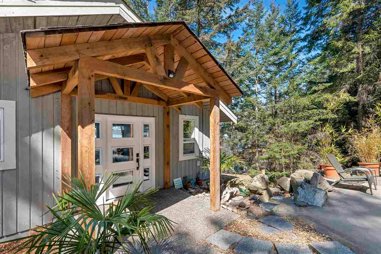 Main Photo: 267 LAURA POINT Road: Mayne Island House for sale (Islands-Van. & Gulf)  : MLS®# R2571207