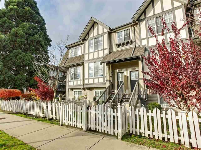 Main Photo: : Townhouse for sale : MLS®# R2319560