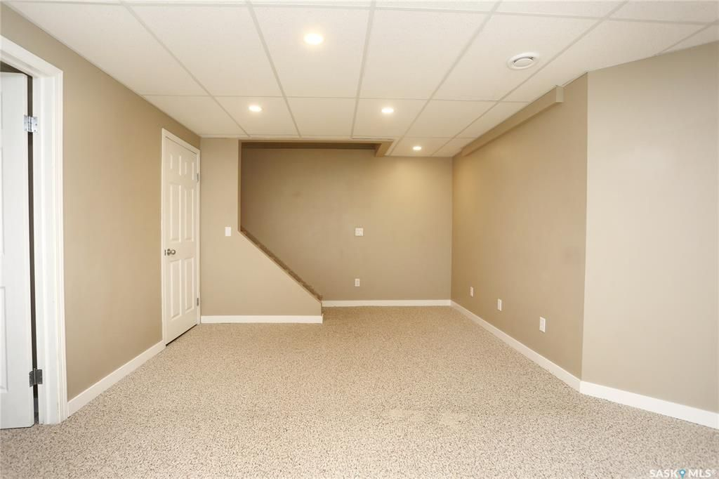 Photo 33: Photos: 131B 113th Street West in Saskatoon: Sutherland Residential for sale : MLS®# SK778904